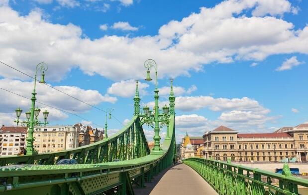 Europa 6 días 2 ciudades, Vuelo + Hotel