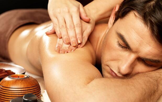 Adiós estrés con este masaje relajante