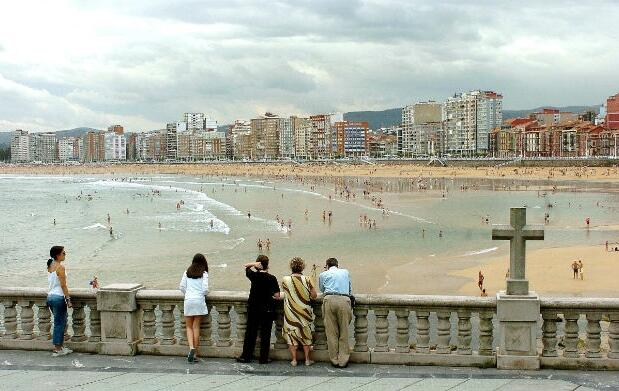 Domingo 14 en la playa: Gijón