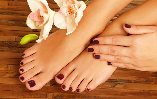 Manicura y pedicura + peeling manos/ pies
