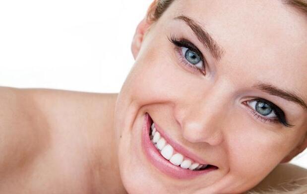 Tratamiento facial rejuvenecedor efecto lifting