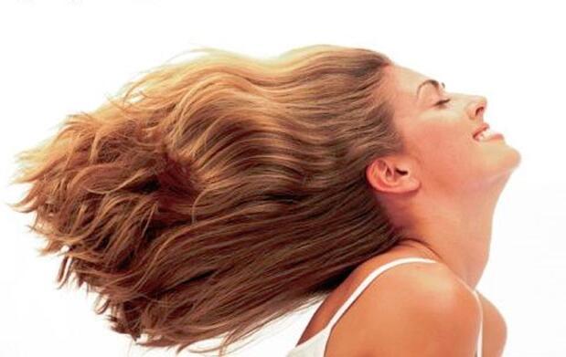 Corte y botox para el cabello con esmaltado semipermanente