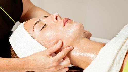 Limpieza facial con ozono y tratamiento polivitamínico
