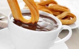 En otoño: chocolate con churros o buñuelos