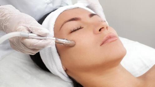 Higiene facial iluminadora con Vitamina C Efecto Flash