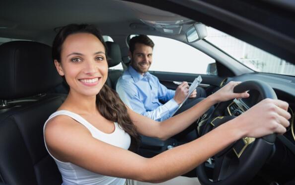 Sácate el carné de conducir este otoño