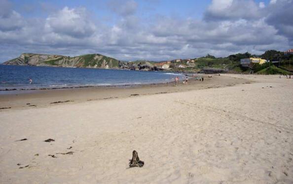 Domingo 5 de agosto en la playa: Comillas