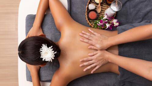 Olvídate del estrés con dos masajes