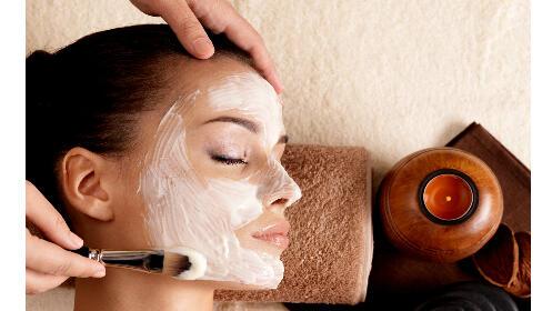Tratamiento facial específico con microdermoabrasión