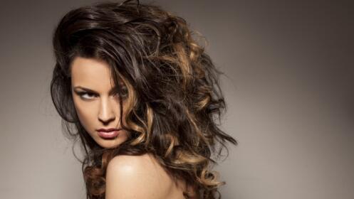 Tratamiento ultrahidratante del cabello, corte y peinado