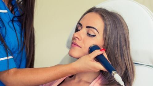 Sesión de belleza con Limpieza facial y radiofrecuencia NEORF