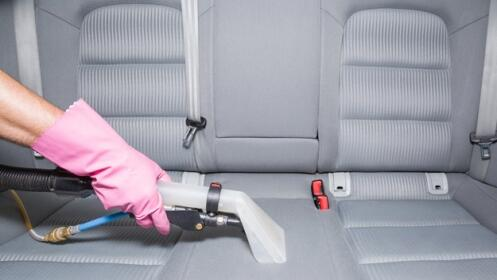 Limpieza e higienizado de tapicería textil de un vehículo