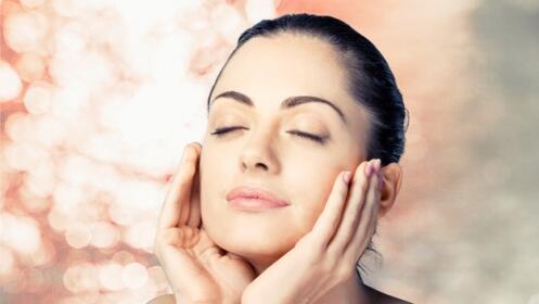 Higiene facial iluminadora o con vitamina C o tratamiento antimanchas