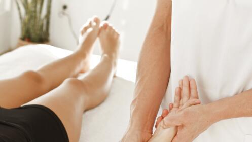 Cuídate con este bono de dos masajes