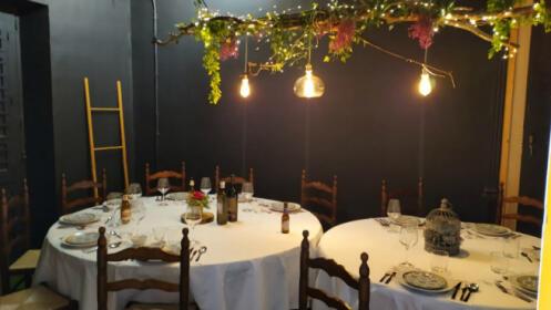Gastronomía y microteatro para 2 en La Malhablada