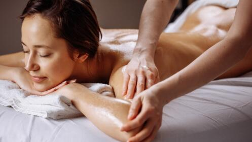 Mima tu piel: exfoliante corporal + masaje